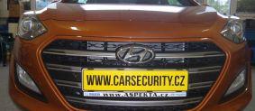 Hyundai I30 montáž couvací kamery, stropního monitoru, bezpečnostní značení skel a zámek volantu Zeder