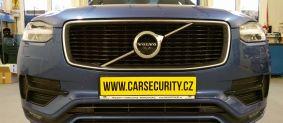 Volvo XC 90 R Design montáž radiového dohledávání a černé skříňky pro záznam jízdy